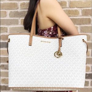 Michael Kors Bags - Gaby'sBags👜💕-NWT Michael Kors Large Tote &Pouch